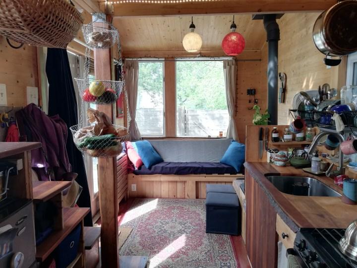 diy tiny house living room