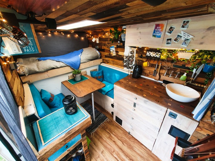 Welcome to my tiny home on wheels, 5 square meters in a self converted van