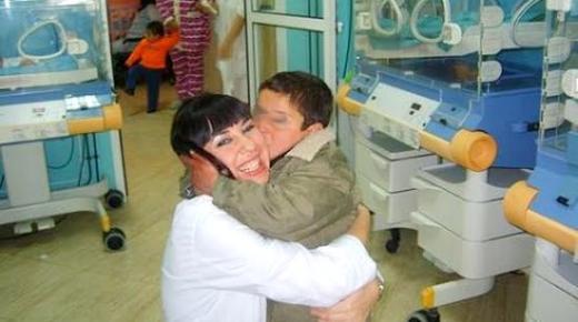 أطباء إسبان ينقذون حياة الأطفال في الريف والمغاربة يرفضون العمل بمستشفياته