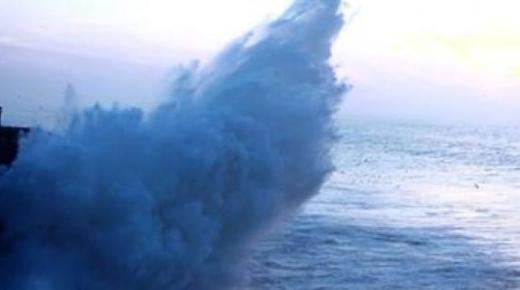 مديرية الأرصاد تنذر بتدني الحرارة و رياح قوية و أمواج عالية تفوق الست أمتار