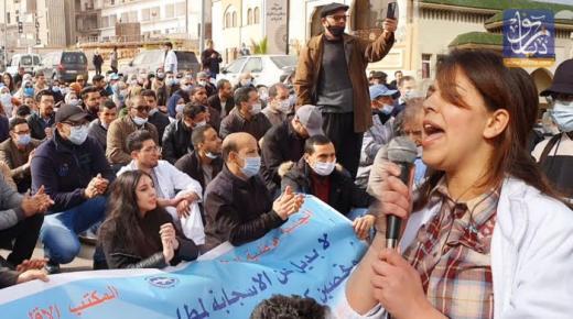 وزير الصحة يطير إلى وجدة لإخماد غضب الأطر الصحية