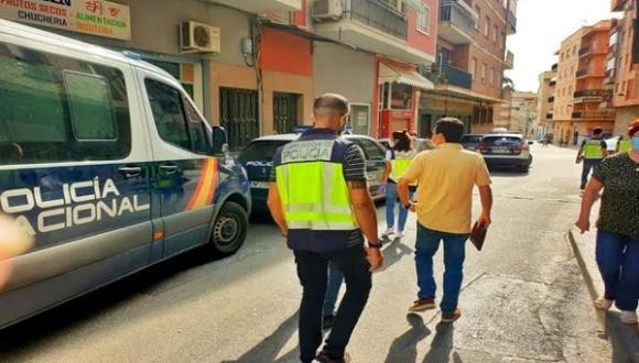 يتقاضون 0.58 يورو للساعة.. القبض على رجل أعمال إسباني يستغل عمالا مهاجرين في ظروف عبودية