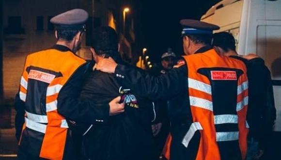 السلطات توقف أشخاصا أقاموا صلاة التراويج بجنبات المسجد