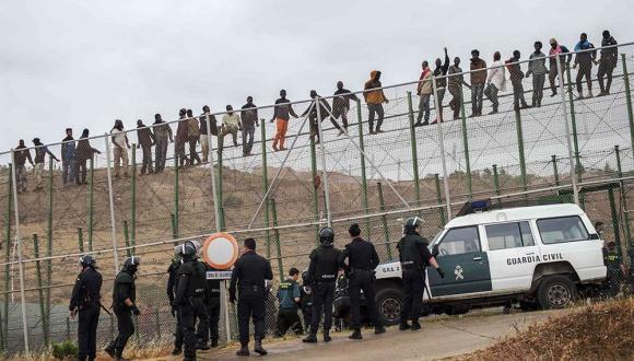 القوات الأمنية المغربية تحبط محاولة لاقتحام سياج مليلية