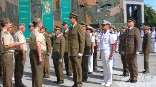 الجيش الاسباني يحتفل بذكرى الانزال العسكري في خليج الحسيمة