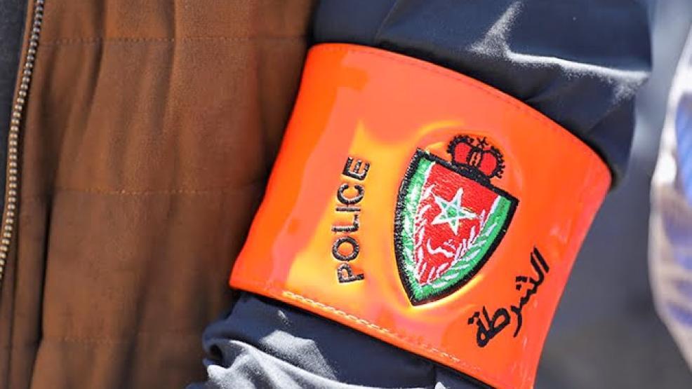 اعتداء على شرطي وسرقة سلاحه الوظيفي ودراجته