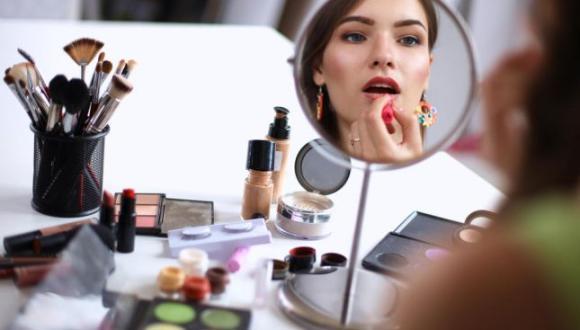 نصائح للبنات للعناية بنظافة أدوات التجميل والمكياج