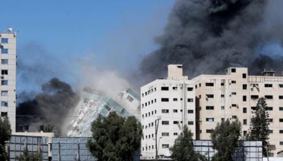 إسرائيل تقصف مقرات عدة قنوات ووكلات أنباء