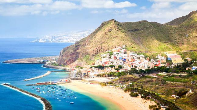 اسبانيا: منع 100 مغربي بتينيريفي من السفر إلى هويلفا بدون جواز سفر