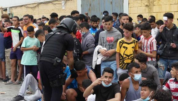 القضاء الإسباني يؤيد ترحيل القاصرين المغاربة من سبتة المحتلة