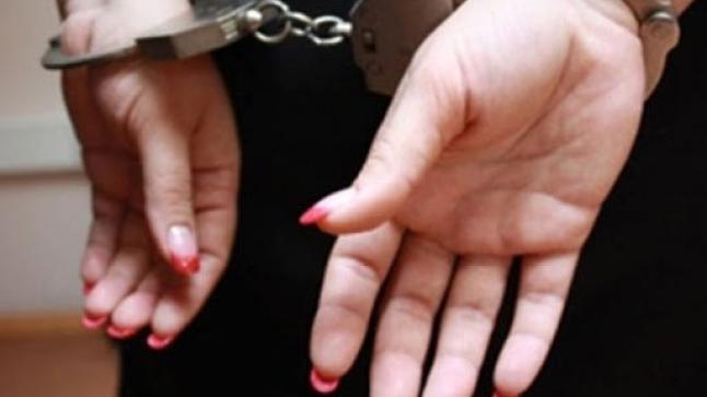 اعتقال ثلاثة نساء يستدرجن الفتيات لتعاطي الدعارة في دول الخليج وهكذا انكشف أمرهن