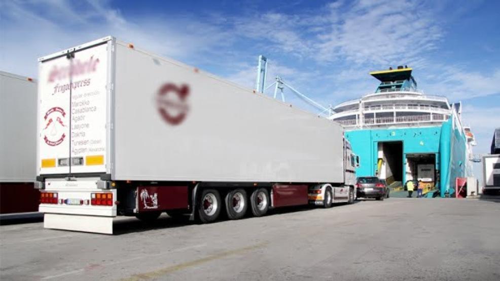 تفتيش شاحنة قادمة من إسبانيا يفجر مفاجأة