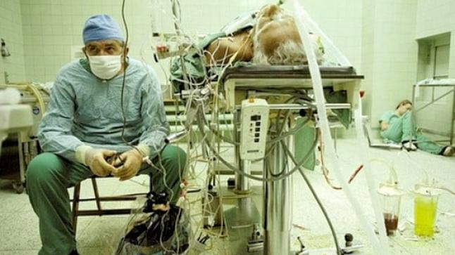 صورة للتاريخ بعد عملية زراعة قلب دامت 23 ساعة