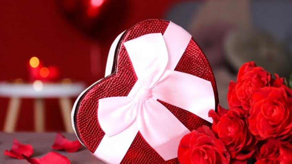 أي زهور يجب تقديمها في يوم 14 فبراير؟