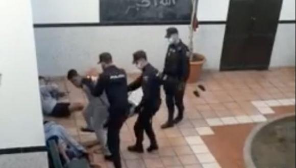 نشطاء ينددون بتعنيف الشرطة الإسبانية لقاصرين مغاربة ويطالبون بتدخل بوريطة (+فيديو)