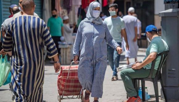بسبب تزايد أعداد الإصابات بالمغرب.. وزارة الصحة تكشف الحل الوحيد لوقف انتشار كورونا