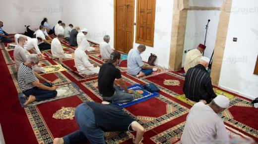 صحيفة : أئمة مغاربة يتقاضون رواتبهم من بيع الحشيش !