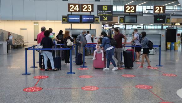 رسميا.. المغرب يعلق الرحلات الجوية من وإلى 32 بلدا عبر العالم