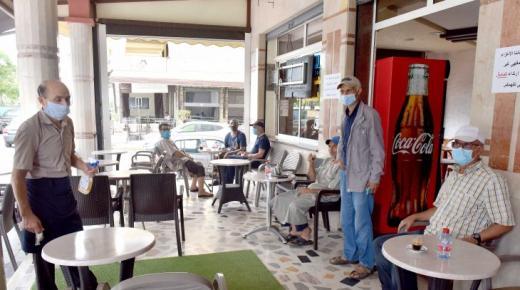 إضراب وطني لمدة يومين.. أرباب المقاهي والمطاعم ينتفضون في وجه العثماني