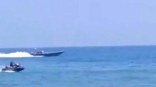 """بالفيديو.. دورية اسبانية تطارد مهاجر سري على متن """"جيت سكي"""""""