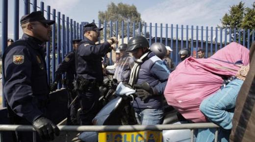 """فاجعة.. مقتل مسّن يمتهن التهريب المعيشي على يد أمني إسباني بمعبر """"باريوتشينو"""" بالناظور"""
