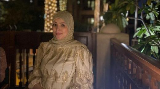 """يوتيوبرز مغربية شهيرة تخلع الحجاب..""""الرجال عزيز عليهم البنت لي معرية"""""""
