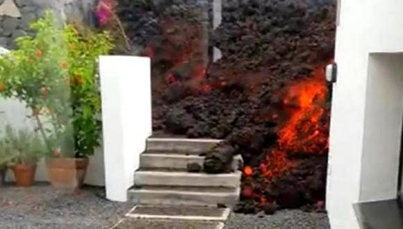 مشاهد مروعة لبركان بالما.. الحمم البركانية تطمر الشوارع (فيديو)