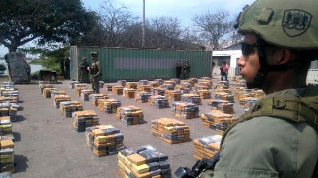 القوات الكولومبية تضبط أزيد من طن ونصف من مُخدر الكوكايين في طريقه إلى المغرب
