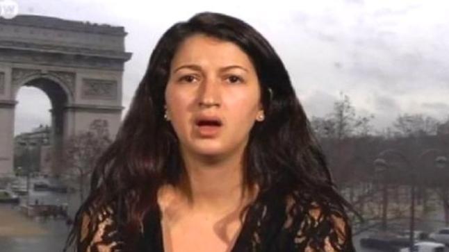 """فيديو: صحفية مغربية بـ""""شارلي إيبدو"""": من حقنا رسم الله والرسول"""