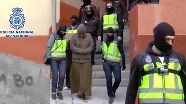 """3 منهم من مليلية.. تفكيك خلية تستقطب نساء من شمال المغرب لالتحاق بـ""""داعش"""""""