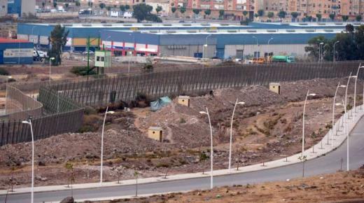 وفاة مغربي عالق بمليلية المحتلة خلال محاولته القفز على السياج الحدودي