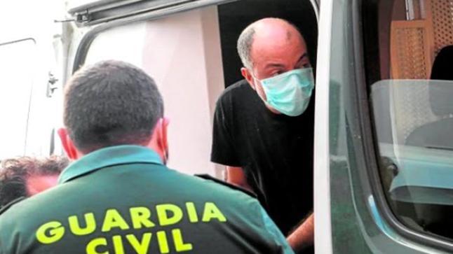 اسبانيا.. اعتقال مغربي قتل زوجته ببندقية صيد بعد أن شك في سلوكها