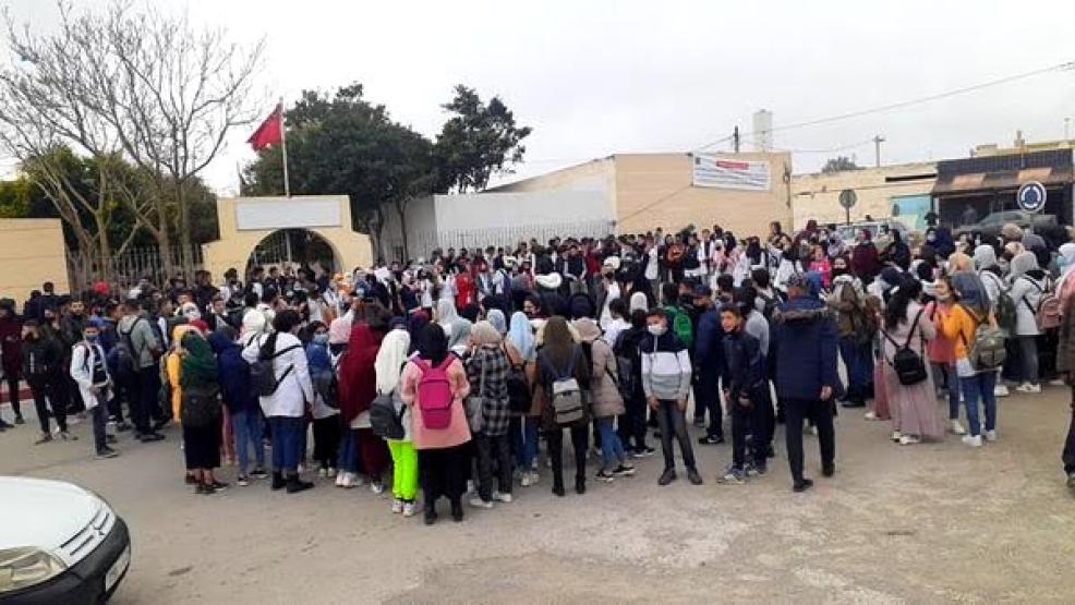 إحتجاجات تلاميذية صاخبة وعامل الإقليم يعتبر نفقات ميزانيات شراكات النقل المدرسي غير ضرورية