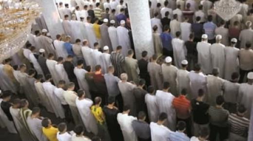 """وجدة: إمام مسجد يرفض أداء صلاة الجنازة على فتاة بدعوى أنها """"عاهرة"""""""