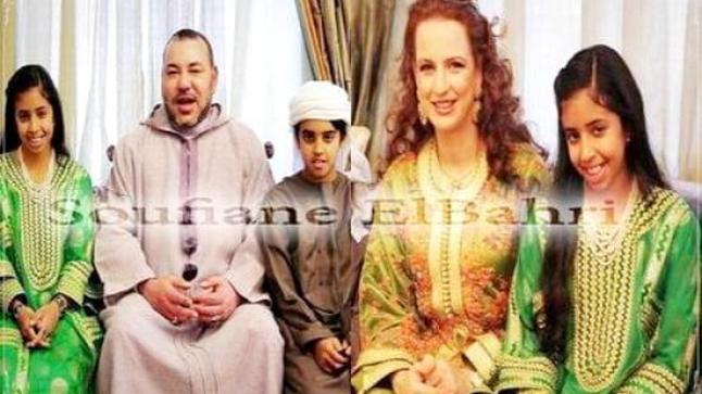 أبناء أمير إماراتي يحتفلون مع الملك ذكرى المولد النبوي