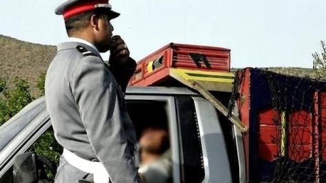 """الأمن يُوقف ثلاثة طلبة """"متورطين"""" في قضية الحسناوي هاربين في شاحنة إلى الناظور"""