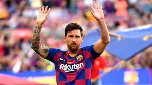 ميسي يبلغ برشلونة رسميا بقرار الرحيل