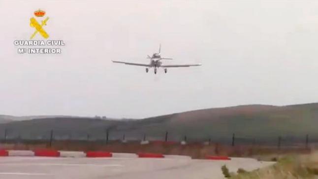 اسبانيا: تفكيك شبكة لنقل المخدرات بواسطة الطائرات من شمال المغرب (فيديو)