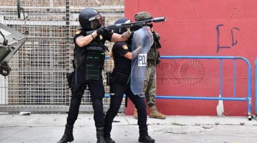 شرطة سبتة تتسبب في وفاة شاب مغربي وضرب آخرين بالرصاص المطاطي (فيديو)