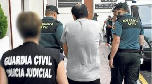"""اعتقال ثلاثة مغاربة """"متورطين"""" في قتل بارون مخدرات شمال اسبانيا"""