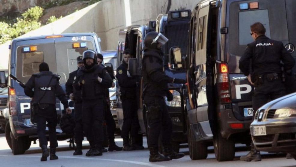 """شاهدوا.. الأمن الإسباني يكشف تفاصيل تفكيك أخطر شبكة لتهريب المخدرات يتزعمها """"ميسي"""""""