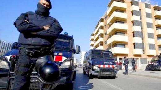"""الداخلية الاسبانية تستعين بمترجمين """"ريفيين"""" لفك شفرات الجهاديين"""