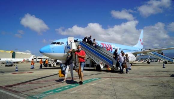 جزر الكناري تتوقع عودة السياحة مع استعادة 50٪ من الرحلات الجوية مع هولندا هذا الصيف