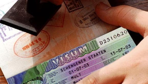 الخارجية المغربية ترد على القرار الفرنسي بتخفيض التأشيرات الممنوحة للمغاربة