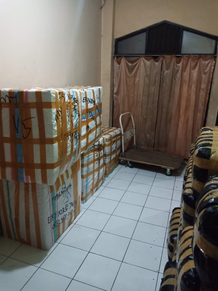 cargo pengiriman barang