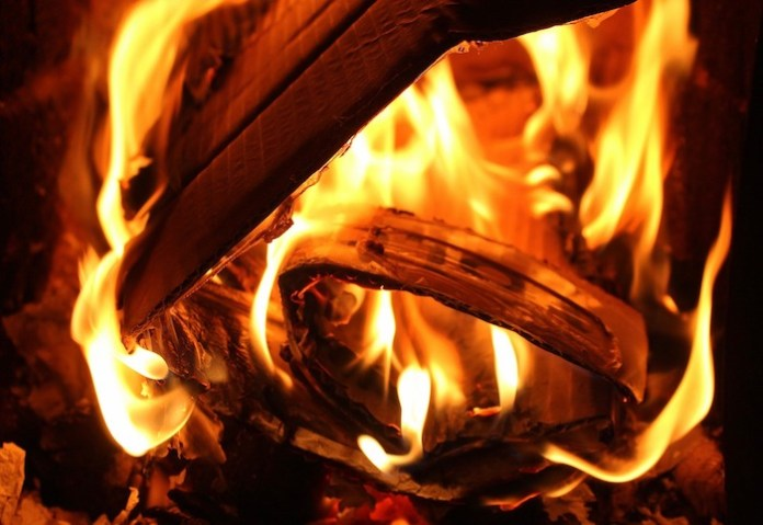 combustione rifiuti incenerimento