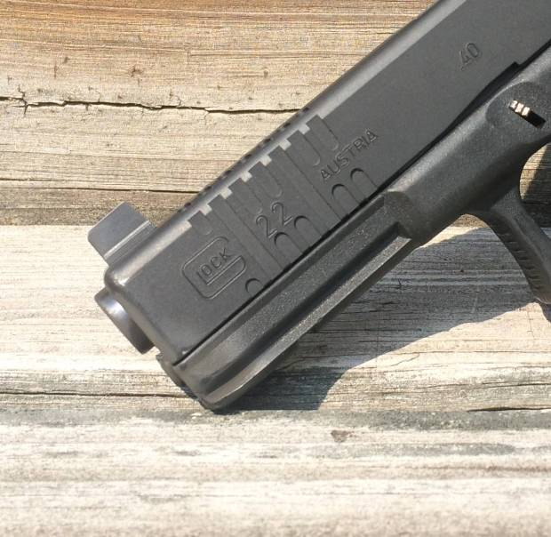 slide serrations on glock 22