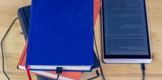 Ilustrasi E-Book sebagai Buku Digital Dalam Pengertian E-Book Menurut Para Ahli Fungsi Tujuan Karakteristik Format Umum Serta Kelebihan Dan Kekurangannya
