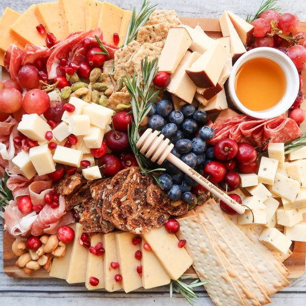 How to Make an Epic Right Back Spatula Cheese Board!!
