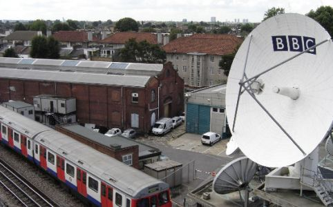 BBC satellite in London, August 2004 by Peter Daniel